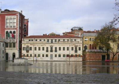 acqua alta a Venezia-  Campo San Polo