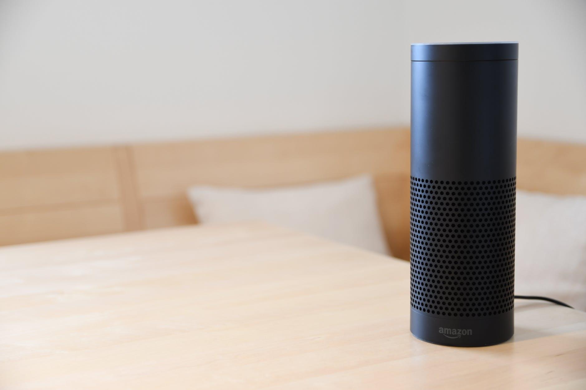 Amazon Alexa parla italiano con i suoi smart speakers